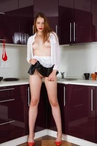 Isabella - In The Kitchen - [famegirls] ITsvgL9a