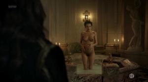Anna Brewster, Hannah Arterton @ Versailles s02 (FR 2017) [1080p HDTV] 40uGGgfw
