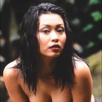 Kumpulan Foto Hot panas Seksi Vulgar Ratna Listy di Majalah Popular