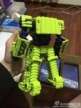 [Toyworld] Produit Tiers - Jouet TW-C Constructor aka Devastator/Dévastateur (Version vert G1 et jaune G2) - Page 3 YJl5oUkO