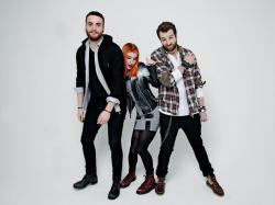 Paramore (Hayley Williams,  Jeremy Davis, Taylor York) - Chris McAndrew Photoshoot for The Guardian (February, 2013) - 35xHQ AYObfqHY
