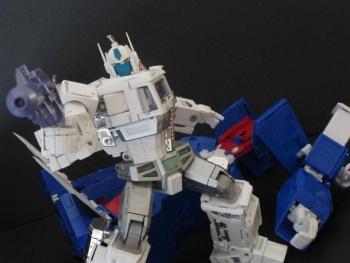 Masterpiece G1 - KO/Bootleg/Knockoff Transformers - Nouveautés, Questions, Réponses - Page 5 LpYkncOI