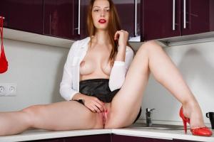 Isabella - In The Kitchen - [famegirls] Cf4QUsKk