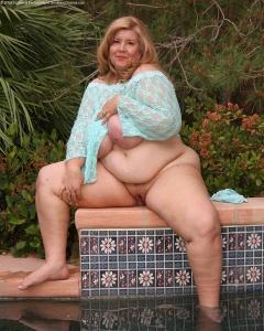 Sex photo Emma watson peeing