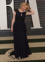 """Courtney Love """"2015 Vanity Fair Oscar Party hosted by Graydon Carter at Wallis Annenberg Center for the Performing Arts in Beverly Hills"""" (22.02.2015) 49x PrHNxU2T"""