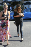 Nina Dobrev with Hilary at Alfred Coffee & Kitchen in West Hollywood (July 29) ZbTcuCKc