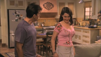 "Melanie Lynskey - Two and a Half Men (2004) S02 E02 ""Cleavage"" 