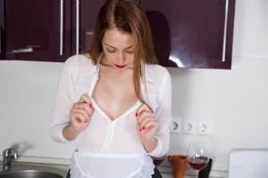 Isabella - In The Kitchen - [famegirls] 5JJL1F0D