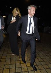 Sean Penn - Charlize Theron and Sean Penn - seen leaving Royal Festival Hall. London - February 16, 2015 (153xHQ) TfydCwKX