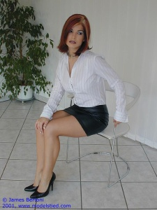 Greta Istvandi - Nude Celeb Forum