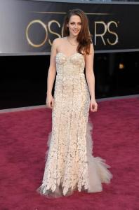 Kristen Stewart - Imagenes/Videos de Paparazzi / Estudio/ Eventos etc. - Página 31 AckoixH1