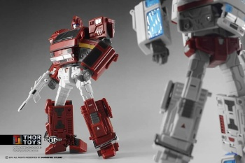 [TFC Toys] Produit Tiers - OS-01 Ironwill (aka Ironhide/Rhino) & OS-03 Medic (aka Ratchet/Mécano) - Page 2 IqVRGKfw