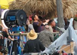 Robert Downey Jr. - On The Set Of 'Iron Man 3' 2012.10.02 - 19xHQ DSQrxkXc
