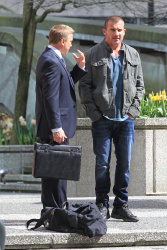 Dominic Purcell on the set of 'Bailout: The Age of Greed' - April 27, 2012 - 17xHQ IhV0pPmM