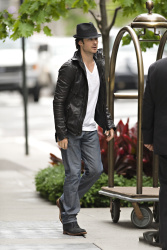 Ian Somerhalder - seen out of his hotel - May 15, 2012 - 8xHQ UNGzejbJ