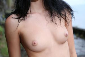 http://2.t.imgbox.com/1GXZCkWb.jpg
