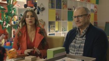 Sofia Vergara - Modern Family S08 E12 (2017) Cleavage | HD 1080p[