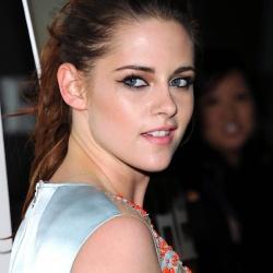 Kristen Stewart - Imagenes/Videos de Paparazzi / Estudio/ Eventos etc. - Página 31 AdkIFguK