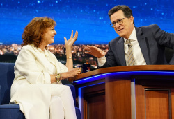 Susan Sarandon - The Late Show with Stephen Colbert: March 31st 2017