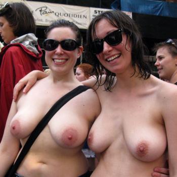 buldging boobs