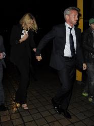 Sean Penn - Charlize Theron and Sean Penn - seen leaving Royal Festival Hall. London - February 16, 2015 (153xHQ) 4jOm6MQl