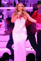 Mariah Carey - Mariah Carey's Second Annual All I Want For Christmas Is You Concert @ Beacon Theatre in NYC - 12/08/15