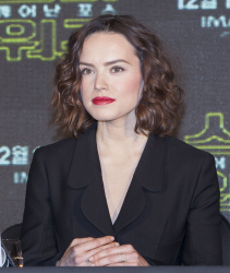 Daisy Ridley - Star Wars: The Force Awakens Korean Press Conference @ the Conrad Hotel in Seoul - 12/09/15