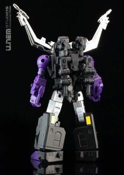 [Fanstoys] Produit Tiers - Jouet FT-12 Grenadier / FT-13 Mercenary / FT-14 Forager - aka Insecticons - Page 3 Xln58g96