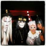 "[Vie privée] 31.10.2012 Los Angeles - Treats! Magazine ""Trick or Treats! Halloween Party"" AbcVZ8yn"