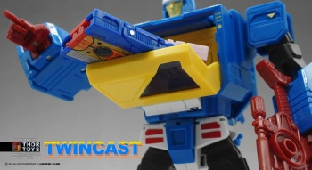 [KFC Toys] Produit Tiers - Jouet Transistor (aka Blaster/Tempo) + DoubleDeck (Twincast) + Fader (aka Eject/Éjecteur) + Rover (aka Autoscout) 8umjUqUr