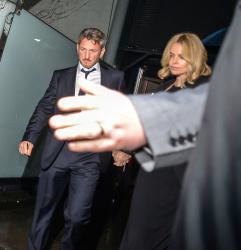 Sean Penn - Charlize Theron and Sean Penn - seen leaving Royal Festival Hall. London - February 16, 2015 (153xHQ) Y65Kn0vu