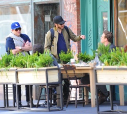 Jake Gyllenhaal & Jonah Hill & America Ferrera - Out And About In NYC 2013.04.30 - 37xHQ D03F7Yhb