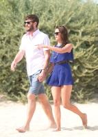 Nina Dobrev with her boyfriend Austin Stowell in Saint-Tropez (July 24) Fi8QhoEf