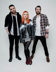 Paramore (Hayley Williams,  Jeremy Davis, Taylor York) - Chris McAndrew Photoshoot for The Guardian (February, 2013) - 35xHQ XQHQF23h