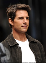 Tom Cruise - on the set of 'Oblivion' in New York City - June 13, 2012 - 52xHQ C7ChFSY3