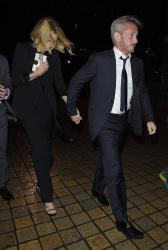 Sean Penn - Charlize Theron and Sean Penn - seen leaving Royal Festival Hall. London - February 16, 2015 (153xHQ) Mx6XpEWP