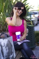 Дениз Милани, фото 4576. Denise Milani Out Shopping, foto 4576