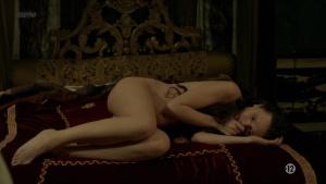 Anna Brewster, Hannah Arterton @ Versailles s02 (FR 2017) [1080p HDTV] C7kW1TM9