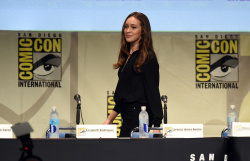 Alycia Debnam-Carey - Fear The Walking Dead Panel @ San Diego Comic-Con 2015 - 07/10/15
