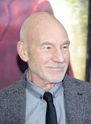 Patrick Stewart - 'The Hobbit An Unexpected Journey' New York Premiere benefiting AFI at Ziegfeld Theater in New York - December 6, 2012 - 6xHQ F3jKt6lv