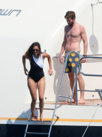 Nina Dobrev and Asustin Stowell enjoy the ocean off the cost the French Riviera (July 26) EQUfPjOZ
