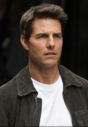 Tom Cruise - on the set of 'Oblivion' in New York City - June 13, 2012 - 52xHQ Bk5uZxHx