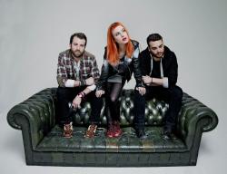 Paramore (Hayley Williams,  Jeremy Davis, Taylor York) - Chris McAndrew Photoshoot for The Guardian (February, 2013) - 35xHQ EZBEi6Ui