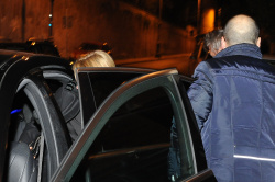 Sean Penn - Sean Penn and Charlize Theron - depart from Rome after a Valentine's Day weekend - February 15, 2015 (37xHQ) McMGPjIN