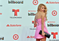 "Paulina Rubio >> single ""Me Quema"" - Página 2 AcwfoARN"