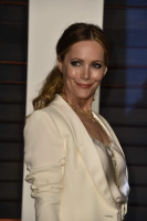"""Leslie Mann """"2015 Vanity Fair Oscar Party hosted by Graydon Carter at Wallis Annenberg Center for the Performing Arts in Beverly Hills"""" (22.02.2015) 126x  Sdg9PWzj"""