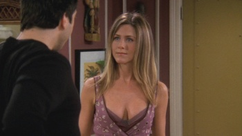 "Jennifer Aniston - Friends (2002) S9 Ep9 ""Cleavage"" 