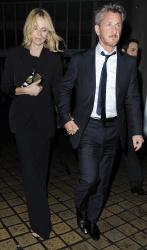 Sean Penn - Charlize Theron and Sean Penn - seen leaving Royal Festival Hall. London - February 16, 2015 (153xHQ) PkuVCH35