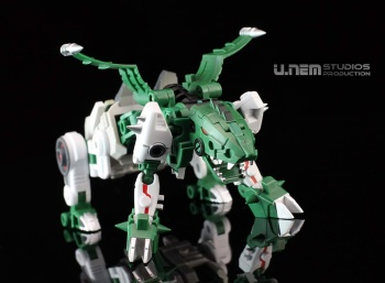 [FansProject] Produit Tiers - Jouet Saurus Ryu-oh aka Dinoking (Victory) | Monstructor (USA) - Page 2 IHEFAmcY