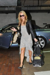 Paris Hilton Leaving A Hair Salon 21 april 2014